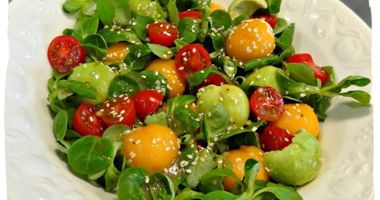 Salade de mâche, melon, avocat et vinaigrette aux figues vanillées