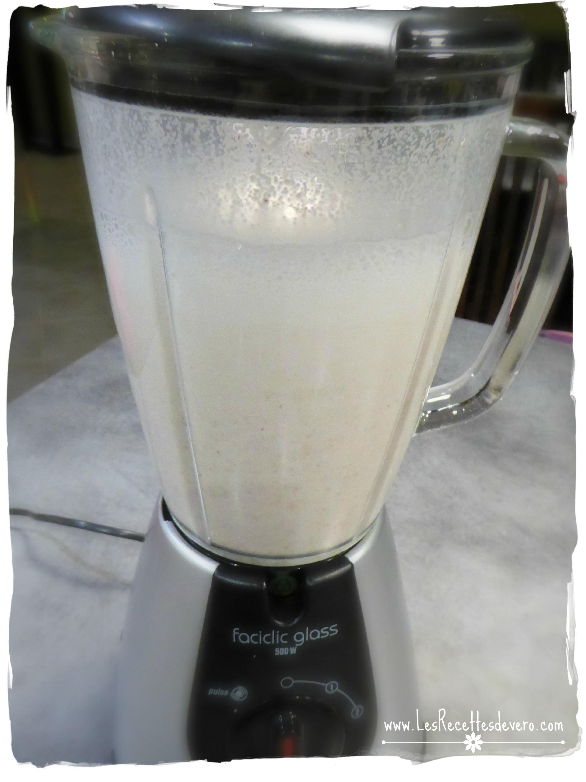 lait dans mixeur