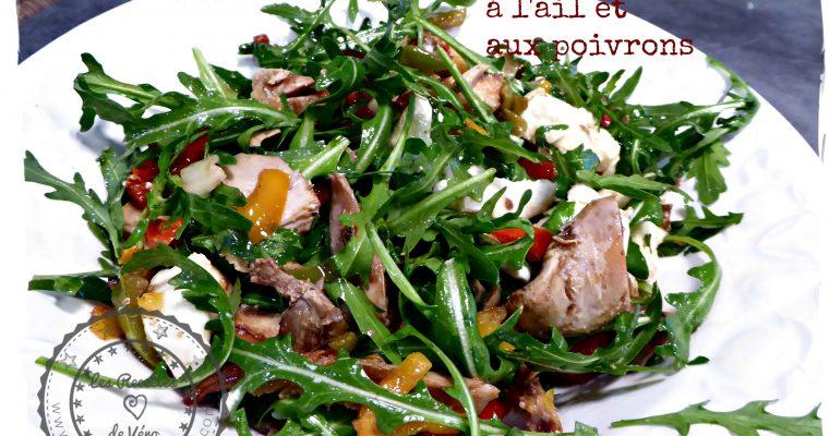 Salade de poulet à l'ail et aux poivrons