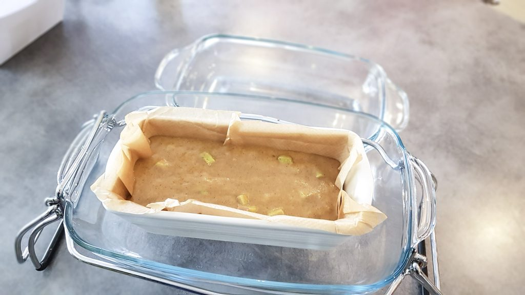 BIENVENUE CHEZ VERO - Cake sans gluten sans coeuf à la rhubarbe - OMNICUISEUR Four Vapeur - Cuisson douce - Avant cuisson