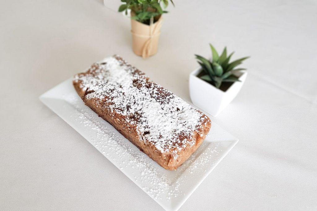 BIENVENUE CHEZ VERO - Cake sans gluten sans coeuf à la rhubarbe - OMNICUISEUR Four Vapeur - Cuisson douce - cake entier