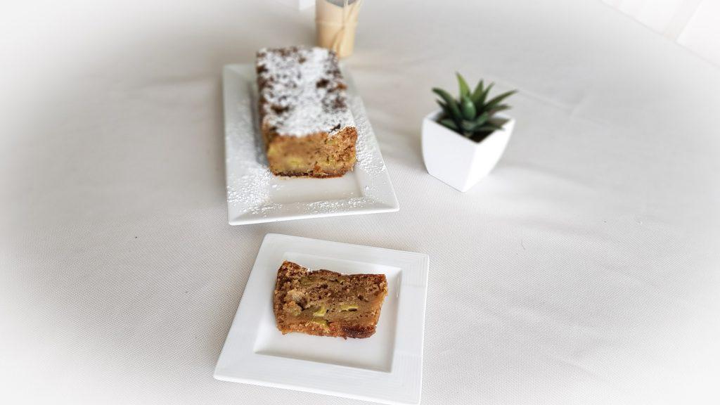 BIENVENUE CHEZ VERO - Cake sans gluten sans coeuf à la rhubarbe - OMNICUISEUR Four Vapeur - Cuisson douce - cake tranché