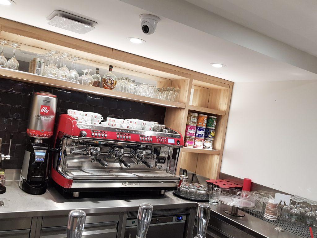 Bienvenue chez Vero - Chez vapiano Metz on mange aussi végétarien machine à café