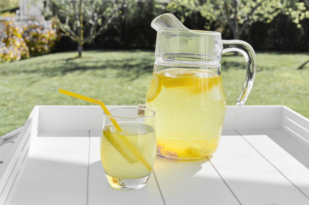 Boisson tonique au citron curcuma et gingembre - Bienvenue chez Vero