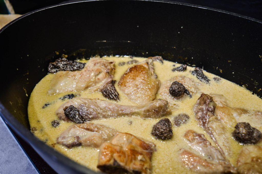 Bienvenue chez vero - Repas de fêtes - Poularde au vin jaune et morilles