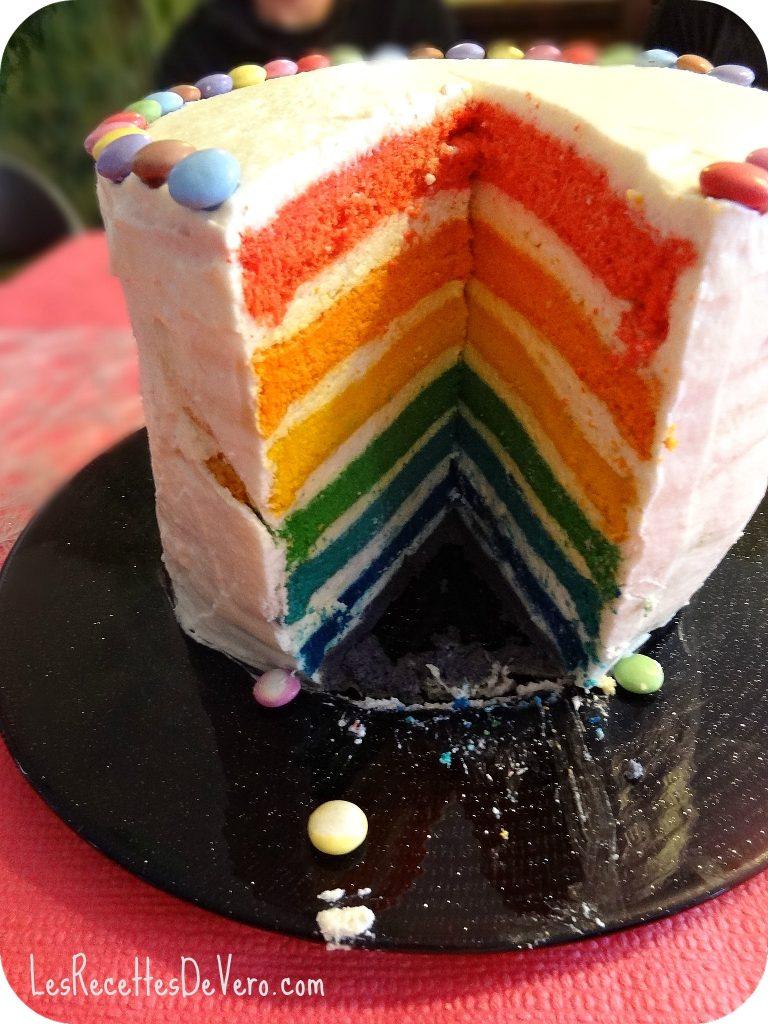 rainbow cake gateau arc en ciel bienvenue chez vero. Black Bedroom Furniture Sets. Home Design Ideas