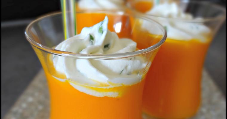 Gaspacho carottes-orange et sa chantilly à la coriandre