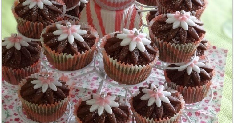 Cupcake chocolat déco en pâte à sucre
