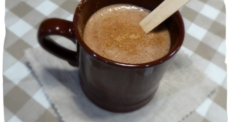 Chocolat chaud au lait d'amande et à la banane