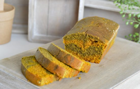 Cake marbré aux super-aliments : matcha & curcuma
