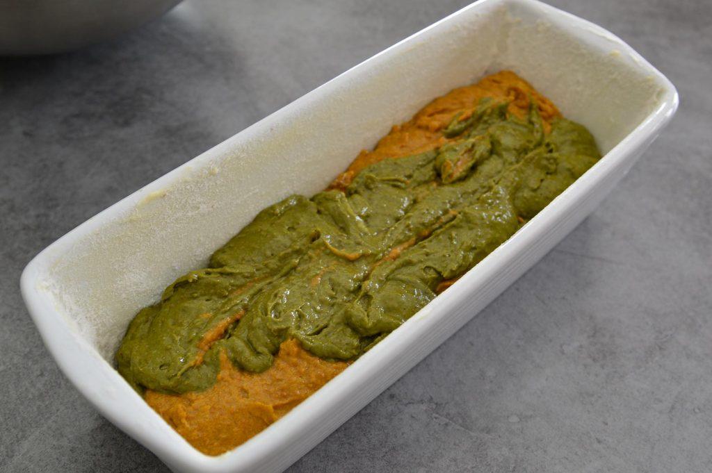 Cake avant cuisson dans moule en porcelaine Omnicuiseur