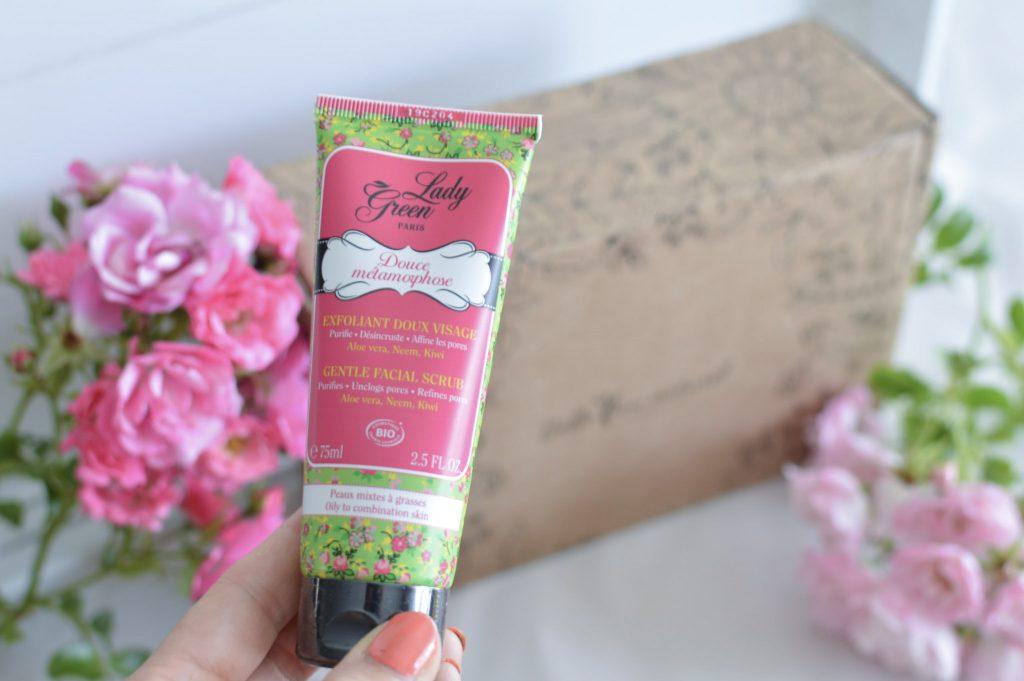 Du bonheur ensoleillé dans la Box de juillet de Belle au naturel - Lady green exfoliant Bienvenue chez Vero