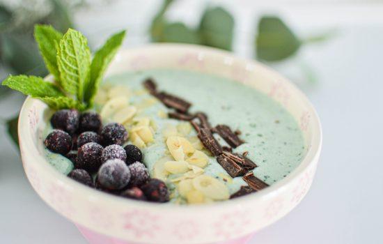 Smoothie bowl banane menthe & chocolat