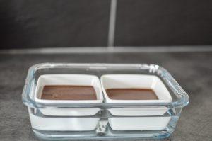 2 pots de crèmes au chocolat au bain marie