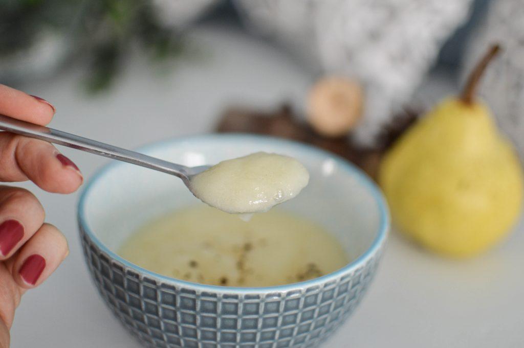 Compote de poires pochées pour bébé