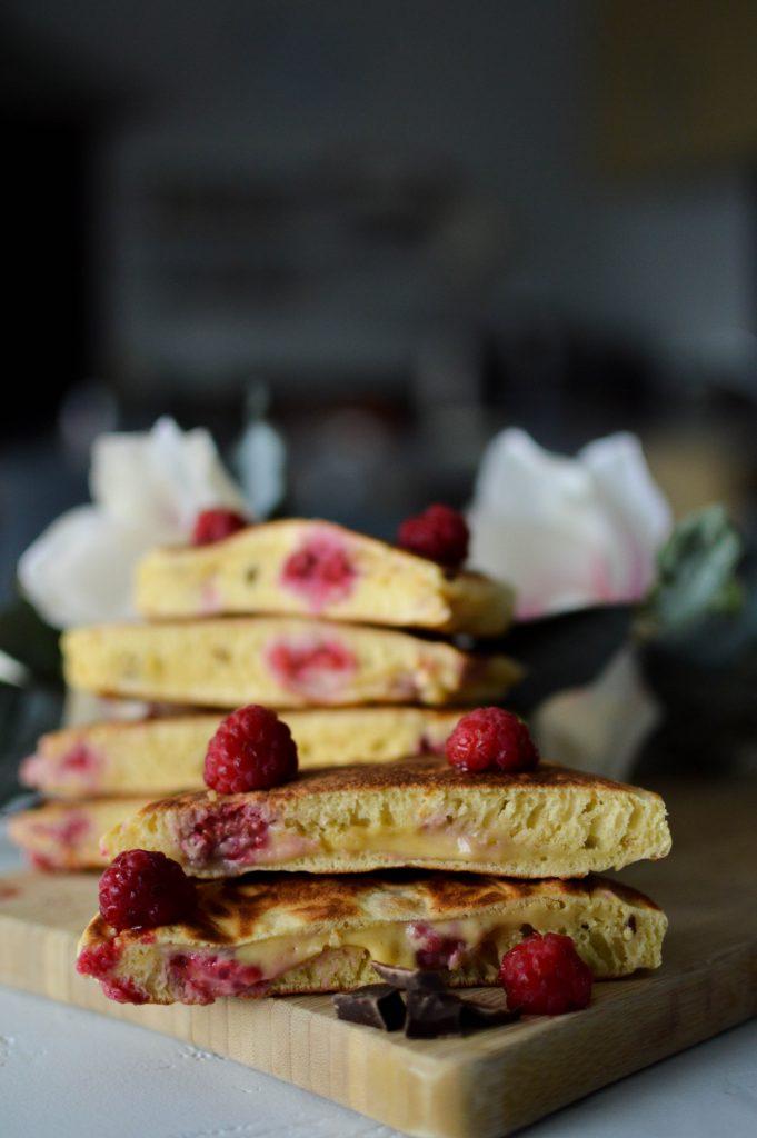 Pancake fourrés framboises chocolat pour octobre rose