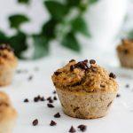 Muffins sains super faciles auc bananes trop mûres et au pépites de chocolat noir
