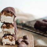 Comment faire des snickers glacés sains et gourmands