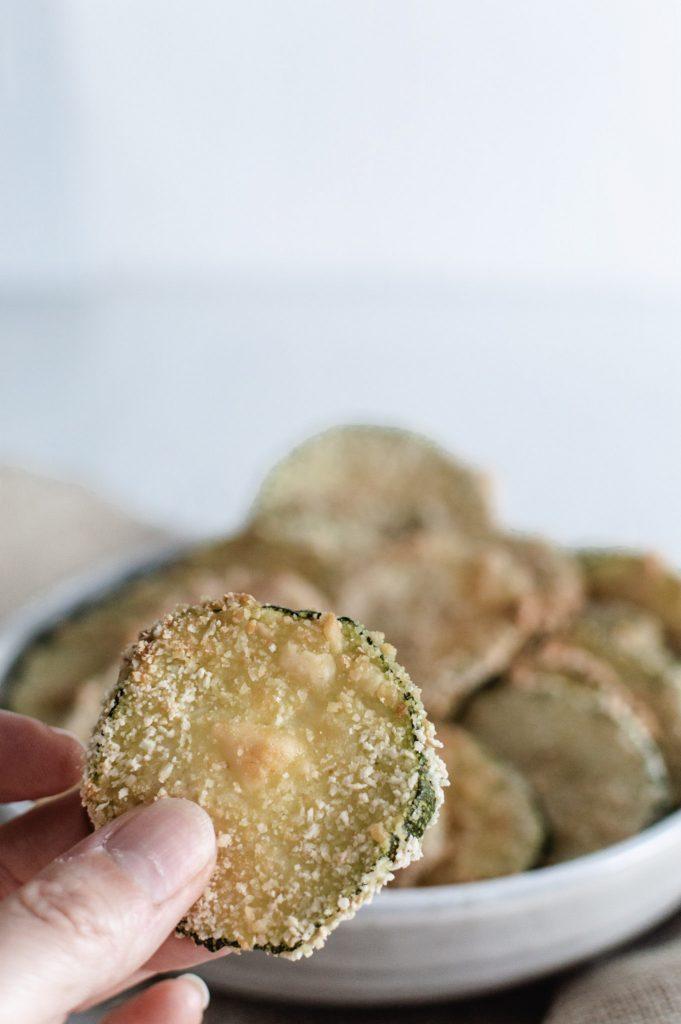 Chips de courgettes au four pour l'apéro